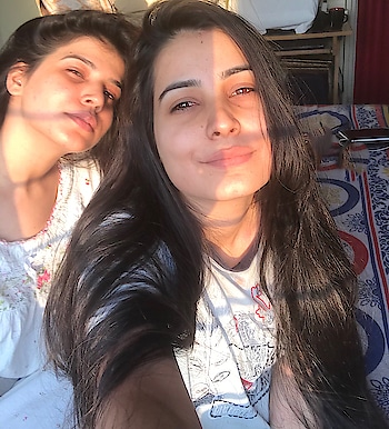 No filter needed for this sun kissed picha😍🌝 • • #morning #sunkissed #homesweethome #sissy #sunrays #beautifulmorning #nofilter #nomakeupneeded #justyou&sun #bhopaldiaries #well #formoreupdates #staytunedwithme #😉👍🏻♥️