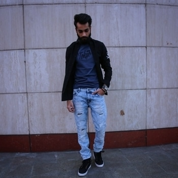 Tokyo Street Style by #JackAndJones #TheUrbaneLion #Menswear #MensFashion #StyleGram #MensStyling #MensFashionPost #MensHair #Ootd #OotdMen #WhatIWore #OutfitOfTheDay #Dapper #StreetStyle #FashionBlogger #IndianFashionBlogger #IndianBeard #LookBook #LikeForLike #FollowForFollow #Instagramers #PostOfTheDay #WinterWear #Hairstyle #HairstyleForMen #Beard #Blog #Blogger