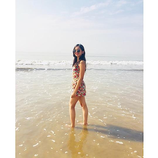 Beachy vibes! #beachbabe #beach life #mumbai #roposoblogger #roposodaily #soroposo