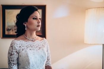 Classic sophistication #white #wedding #christianbridal #christianbride #churchwedding #western #brides #makeupartist #makeup #makeupbynikkineeladri #bangalore #mua #maclipstick #nars #mufe #roposo #roposobride  #soroposo #bridesofindia #sophisticated