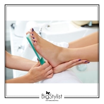 This monsoon, keep your feet clean with pedicure services at the comfort of your home! Like this? Say a Hi on WhatsApp at 9920465699 for more such fantastic stuff! #pedicure #monsoon #rainydays #salonathome #spaathome #beauty #beautyservices #women #stayhomebeautiful #BigStylist