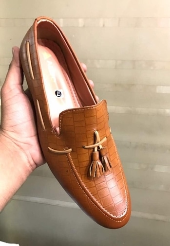 Top quality 👞 at best prices @1099 wid shipping. No hidden charges . Customer satisfaction guaranteed . Whatsapp @9911330005