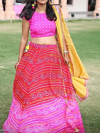 #bhandej #lahanga #blouse #dupatta #zari #georgette #tussels #happyclient #designer #trending #angsh #jaipur #weddingdairies Dm to order😊
