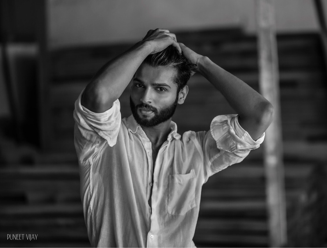 Obsessed is a word the lazy uses to describe the dedicated ! #quotes 🌍 good morning to all the lovely people :)   #rahul #mrindia #blackandwhitephotography #photooftheday photographer- @puneetvijay #dapper #menonroposo #style-file