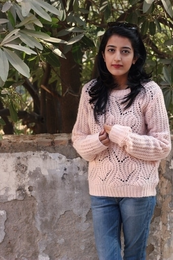 New post ft. @hm is now live! ❤ 📸- @unnatiwantsyourwifipassword  ! #howilikeitjournal #howilikeit #fashion #fashionblogger #blogger #indianfashionblogger #winter #winterfashion #winterwardrobe #hnm #knits