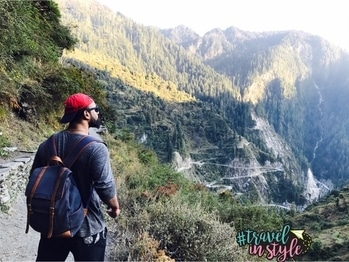 T R E K K I N G . M A L A N A  #travelogue #mountains #trekking #fithitman #2017travelgoals🌍✈️ #explore #evolve #create #malana #beardman #adventure #colorsofnature #followme #followforfollow #likeforlike #menfashion #fashiongram #iphone7plus #wanderer #wanderlust #travelinstyle #travel