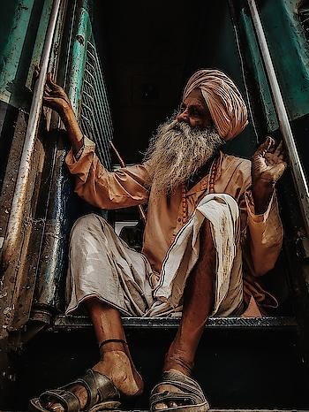 safar !!  - - - - #roposo #roposo-fashiondiaries #roposo-good #roposo-mood #roposo-pic #goodvibes #goodvibesonly #travel-diaries #wanderlust-traveller #travelinstyle #roposocontest #captured #beats #hahatv #ropo-bhakti #mumbai #mumbaidiaries #mumbailifestyleblogger #mumbaiigers #mumbaistyle #indiapictures #sea #motivation #soulfulquotes #inspiration