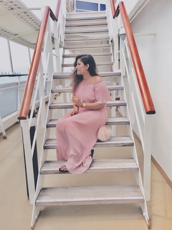 Hey everyone! I have been wanting to start my blog for quite sometime now and finally it's ready! 'Amour Rose' is a blog about all things fashion and beauty. I will be sharing about my personal style, tips and tricks to amp up your style and lots more! Please do check it out by clicking the link in my bio!            #blog