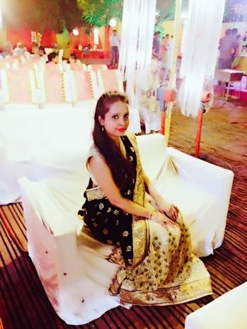 I love wearing Saree 😍😍 #fashion #fashionblogger #blogeshwari #fashionbloggerindia #fashionbloggerdelhi #party #marriageceremony #self-love