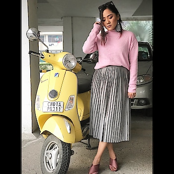 Pink lover #picoftheday #ootd #ootdroposo #fashionblogger #roposoblogger #chandigarh #stylelover #fashioninspiration #fashion #woman-fashion #winterwear #winterlook #pink #prettyinpink #prettyinpinkandgrey #roposo-fashion