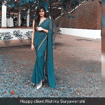 #designersangeetasharma#clientsdiary#rishikaraghuwanshi#desigber#sangeeta#sharma#bottlegreen#saree#floral#blouse#whitesequince#surfaceornamentation#sequinecebeadembroidery#embroidery#sheislookingjustfabulouse#radient#amazinglybeautiful#😘😘😘😘😘😘😍😍😍😍😍🌹🌹🌹🌹🌹♥️♥️♥️♥️♥️🌹