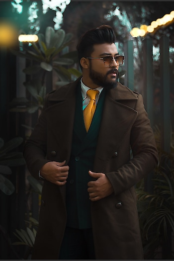 🍂 Bringing the Classic Autumnal vibe back 🍂 . . . . . . #Fashion #fashionlife #classic #vintage #fashion #winterfashion #fashionmen #fashioninspiration #fashionbloggerindia #suit #suitlife #formalfashion #lfw #tie #newdelhi #gentlemansclub