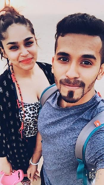 #couplegoals #fitnessblogger #mumbaiblogger #beachfashion #beachlifestyle #goa #mumbai #blogger-style #blogger #indianyoutuber #bloggerofindia