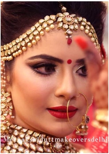 IndianBridal makeup  which looks elegant and perfect ❤️ #meenakshidutt #meenakshiduttmakeoversdelhi #muadelhi #muaindia #makeupartistindia #makeupartistsworldwide #bride #bridalook #bridalmakeup #bridalmakeupartist #weddingmakeup #indianbride #indianbridalmakeupartist #hairandmakeup #hairandmakeupacademy #bridal-makeup #eyes-makeup #makeupacademy  #makeup