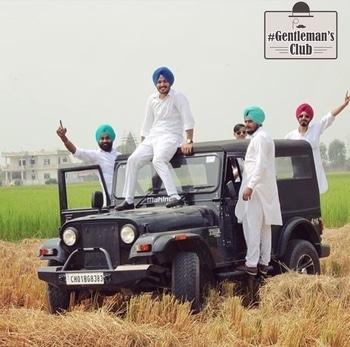 👌🏻😉 #turban #gabru #tharlove #car #kurtapajama #gentlemansclub