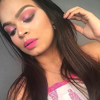 Inspired from the #pink here is a 💄 makeup look 👀 that I love 💖😍 #recentfavs  #makeuprevolution #hudabeauty #anastasiabeverlyhills #makeup #makeuplove #makeupartist #mua #muaindia #makeupaddict #makeupblogger #makeupblog #makeupblogging #roposo #roposogal #roposo-style #roposo-makeupandfashiondiaries #roposo-fashion #roposo-lov