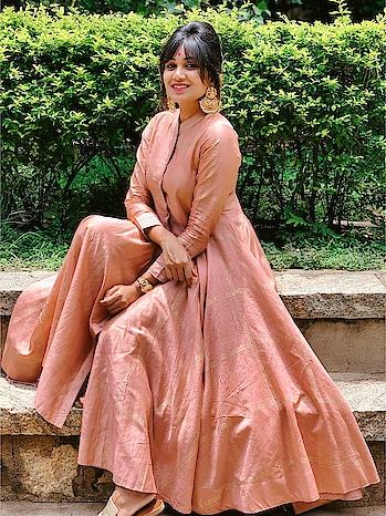This beautiful attire is from JAYPORE! #Bengaluru #bangalorediaries #bangalorebloggers #bangaloreyoutuber #bangalorefashion #bangalorestreetstyle #ethnicwear #indowestern #anarkali #antiquejewelry #antiquenecklace #jaypore