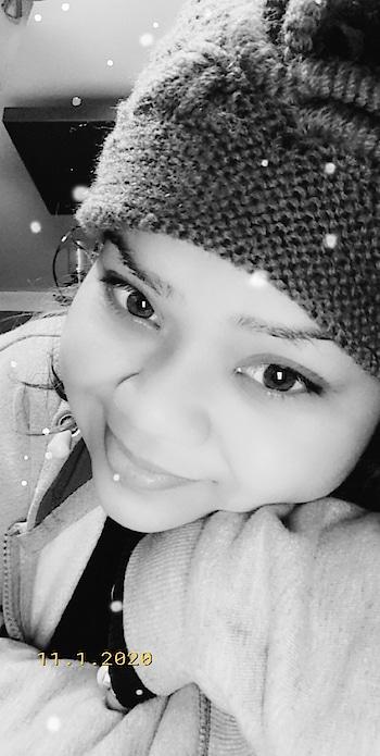 SNOWFALL #hercreativepalace #kanikasharma #blogger #influencer #winters #snowfall #retro #snapchat #filter