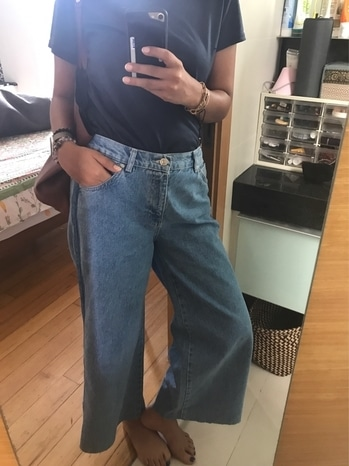 Obsessed with flared jeans this summer 👖 It's such an interesting time for jeans lovers, umpteen variety of shapes n cuts and I'm getting them all👖👖👖👖👖💙💙💙💙 #jeans
