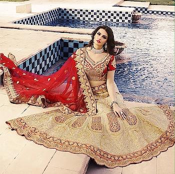 Red Bridal Lehenga Choli Set Product code - FCL633 Available at www.fashionclozet.com  Watsapp - +91 9930777376 Email -  info@fashionclozet.com Or DM for enquiries. #indianwear #indianfashion #indianwedding #malaikaarorakhan #adorable #beautiful #bollywood #makeup #mumbai #indianstyle #desi #punjabisuits #indowestern #bridalsarees #designersaree #designerwear #saree #punjabiweddings  ##gottapatti #blogger #fashionblogger #embroidery #dressmaterial #weddingphotographer #indiasnexttopmodel #bridallehengas  #bridesmaids  #saree #sari