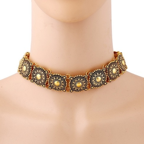 Antique Gold choker necklace   #neckpiece#roposotalks#accessories#fashionblogger#bollywood#jewellery#contemporary#chunky#style#trendy#roposolove#auspiciousjewelz