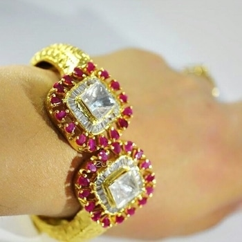 Ruby and polki bracelet... Openable to fit your wrist... Swipe right to see the details. Available at Zubhana  #zubhana #timelesstreasures #bracelet #polki #ruby #kundan #diamonds #exclusive #elegant #style #statement  @ Gurugram #bangles