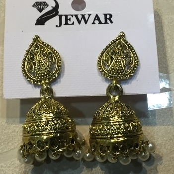 Jhumki earrings   #Feelingsnx #indore #anandbazar #fashiondiaries #fashionable #fashionableaccessories #accessories #originalpicture #nofilter #feelings #shoponline order from  www.shop101.com/feelingsnx Or Kindly DM or whatsapp to place the order or for more info. Shipping Worldwide.  ----Happy Shopping----- # #delhigirls #gurgaon #noida #mumbai #bangalore #chandigarh #ludhiana #pune #chennai #delhi #india #accessories #jhumkas #earrings #earringswag #earringsoftheday #earringslove