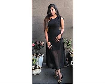 Rose Noire 🥀 1/3 . . 👗 - @afamado_style . . #mumbaiblogger #indianblogger #influencer #mumbaiinfluencer #instablog #bloglove #instalike #bloggermail #instagood #blogger #instamodel #instapic #PlixxoBlogger #bblog #bblogger #beauty #fashion #ootd #instaclick #Bloggerdiaries #BloggerAcademy #mumbai #ffjovi #bloggercommunityclub #bloggercommunity