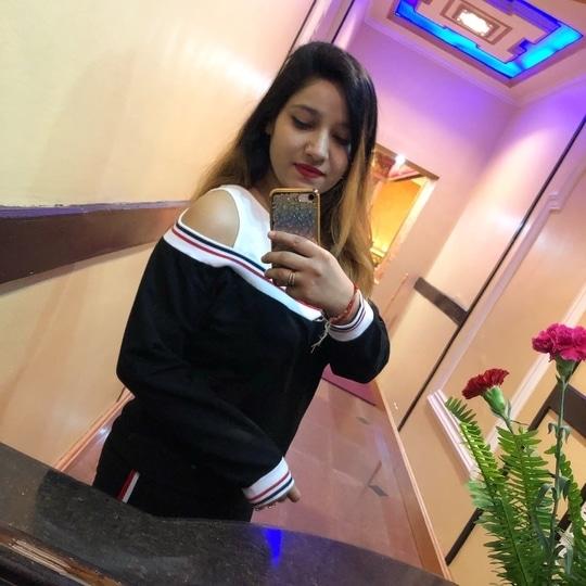 😍😍 #fashiongram #travel #travelgram #travelpic #travellove #travelporn #kathmandudiaries ❤ #weather #peaceofmind #happiness #happusoul #roposodaily  #feelgood #soroposo #roposofashion #travel-love  😍🤗