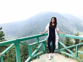 Casual outfit ❤️ #casual-wear #blogger #Fashionblogger #fashionbloggerdelhi ##Gulmarg #Kashmirdiaries