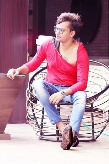 #beautifulmorning # Delhi # countryinn #trendingropos#model #parth_ft_prince