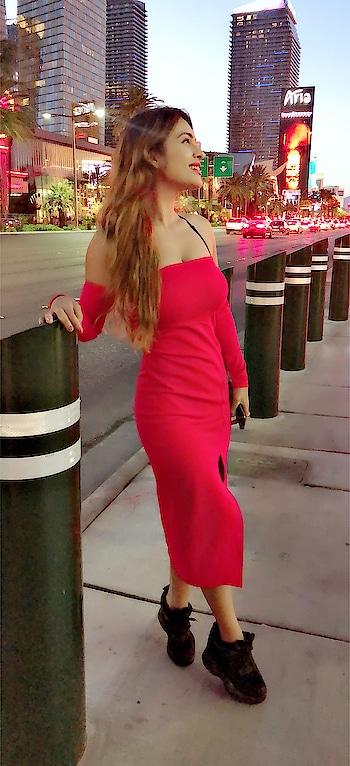 LAS VEGAS -Entertainment Capital of the World 🌍 which Never sleeps 😍😍🙌 #lasvegaswithnehamalik  #usatripwithnehamalik 😍🙌 : #lasvegasstrip #lasvegasnightlife #vegasnightlife #travelgram #travel #travelgoals #luxurytravel #vegasnightlife #cityoflights #travelandleisure #travelblogger #luxuryworldtraveler #luxurygirl #nehamalik #model #actor #diva #blogger #