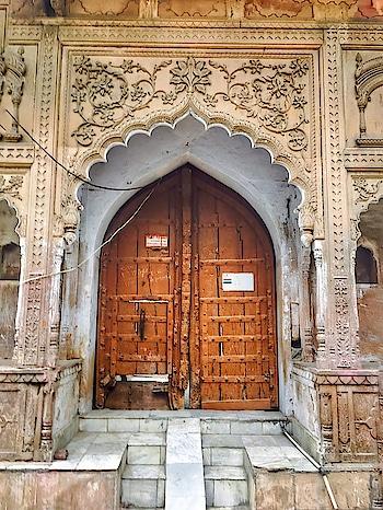 """Behind every #door is #history here. It's amazing"" ~ Drew Henson. Image via The Wandering Core #wow #amazing #see #gameoftones #photography #photooftheday #quote #quoteoftheday #wisdom #wordsofwisdom #art #colors #inspiration #inspirationalquotes #india #incredibleindia #vrindavan"