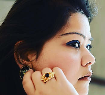 New OOTD post alert! Here I am going all blue and white. Click this link and explore more pictures from the Blues and Whites OOTD: http://www.hercreativepalace.com/2018/02/ootd-blues-whites.html  #hercreativepalace #delhi #india #blogger #fashion #blues #whites #bluesandwhites #OOTD #outfitoftheday #kanikasharma #hcpkanika #fashionista #talkfashion #fashionforlife #instafashion #zotiqq #accessories #makeup #mac #burntspice #lakme #royalblue #nykaa #kajal #eyes