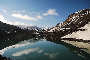 Suraj Tal #lake in #HimachalPradesh is fed by glaciers, streams & year-round #snowfall. PC: distra, Flickr #love #wow #amazing #travel #travelbug #instatravel #wanderlust #see #gameoftones #incredibleindia #photography #photooftheday #india #weekendgetaway #explore #getaway