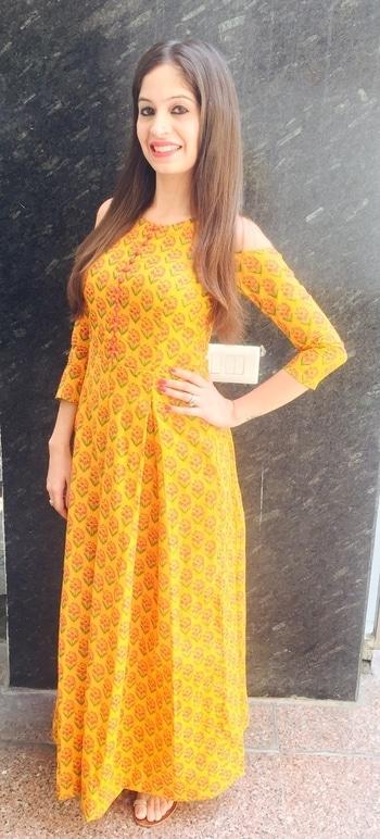 Yellow Kurti #soroposso #ootd #summervibes #summerprints #yellowdress #maxidress #blockprint #blockprint #coldshoulder #kurti #onepiece #yellow #floral #dress #maxi-dress