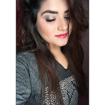 The No Eyeliner Trend is all the rage these days  So I intended to try out 💁‍♀️  _________________________________ Products Used : @makeupforeverofficial Ultra HD foundation  @sivannacolors_india Bronzer #deep @bobbibrown Nude peach blush @beccacosmetics Highlighter #pearl @paccosmetic Brow definer kit @nyxcosmetics Shadow HS03 + @hudabeauty Rose gold palette  @maccosmetics Zoomfast black lash mascara  @facescanada Persian blue eye pencil @nyxcosmetics Butter gloss lipstick in peach cobbler + @makeuprevolution Sheer lip gloss  @houseoflashes Lashes in Hollywood glam   #noeyeliner #noeyelinertrend #invisibleeyeliner #makeup #makeupartist #makeupartistworldwide #makeuptrends #mualife #wakeupandmakeup #makeupandstyling #roposo #roposolove #roposotalenthunt #slave2beauty #undiscovered_muas #featuremuas #universodamaquiagem_oficial #imbbmakeupgurus #indianmakeupandbeauty #beauty #beautyblogger #indiblogger #indianbloggercommunity #thatwingedeyeblogger #staytuned