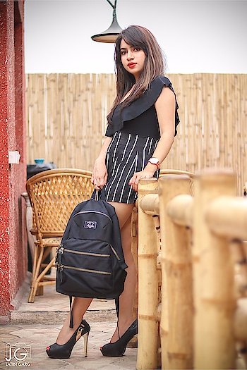 A Happy Day starts with a @lavieworld bagpack 😉 . . Makeup artist @manvii_aggarwal  Location courtesy @dummarodum_delhi  Thankyou for the capture @the.dream_chaser 🤗 . . #fashion #beauty #fashionstyle  #outfit #lookbook  #love #shooting  #getvoguehere  #ootd #makeup  #pictures #shoot  #accessories #delhiblogger #loveblogging #2017 #summer  #saloni #ahuja #  #blogger #newblogpost #bloggerslife #likeforlike  #fashiondesigner #indiantrendingbloggers #fabebg #newtrends #vogue #follow