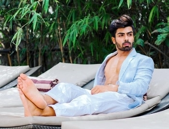 Throw back to the cool blue days of vacation  ✨   #throwback #thursday #tbt #workmode #shoot #summer #linen #international #supermodel #malemodel #insta #picoftheday #tagforlikes #sexy #dapper #suave #shirtless #mensphysique #poolside #bearded #hair #love #relaxing #classy #chill #hot #lean #body #fitness #casuals #menonroposo #soroposo #fashionpost