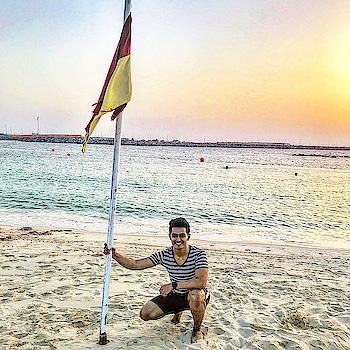 #sunset #beach #beachlife #lamerbeach #beachbody #sky #blue #water #sun #smile #mensfashion #fit #fitness #smile #fitnessmodel #travel #traveller #traveldiaries #roposo #roposotravel  #ilovedubaimarina #dxblife #tshirt #bershka #memories #dubai #uae #sajansinghrawat