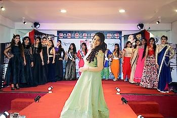 #fashion #fashion_store #designer #designer-wear #fashionables #fashionshow #fasgionblogger #fashiongoes #instagirl #modelling- #institute #fashioninspiration #fashiondesigining #courses #classic-beauty #classystyle