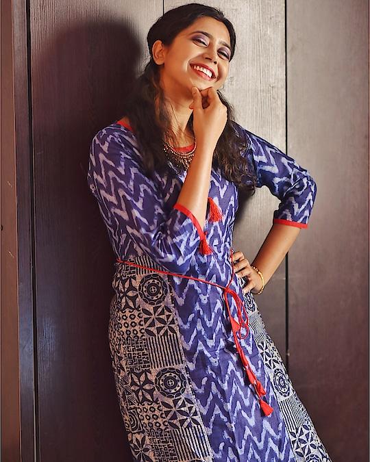 Okay, I know I am weird 😪😉 #positivevibes #selfmotivation #sayantiguha #monday #mondaymotivation #kolkatablogger #fashionblogger #youtube #instagood #instablogger #picoftheday #soroposo #makeup #beauty #mynta #libas #kurti #loveforblue #kurtilover #indianwear #ethnic #mondayybluue