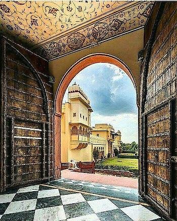 Nestled in the Aravalli hills of #Jaipur, Mundota Palace is a 15th century fort. PC: Trell #heritage #wow #amazing #travel #travelbug #instatravel #wanderlust #see #gameoftones #incredibleindia #photography #photooftheday #india #Rajasthan
