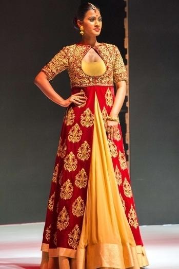 #redgoldenlehanga #model #khushbushetty #bangaloreshow