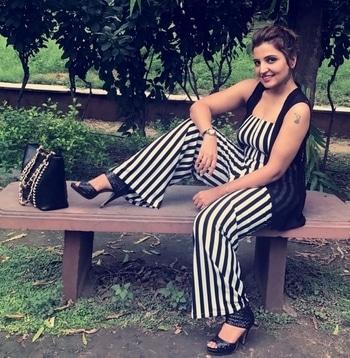 There is always a sassy side of me screaming to express!!!  Bag: @ted_baker  Stripped dress: @bershka_casualwear  . . . . #stylishblogger #tattoogirl #styleblogger #boldandbright #sassy #sassydiva #strippeddress #blackandwhiteonly #indianblogger #delhigram #delhigirl #delhiblogger #delhimakeupartist #deeptigaba #heels #bags #tedbaker #attitude #masti #pagalpanti #enjoyedalot #enjoyed #frnds #instagirl #instadaily
