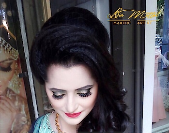 #receptionmakeup #look #makeup #beautiful #bride #stunning #marvellous #makeupbydiamittal #mua #makeupartist #indianbridalmakeupartist #bridesof2018 #wedmegood #shadesofweddings #bridalmakeup #weddingmakeup #theweddingchamber #diamittalmakeupartist #thebridesofindia #thebridesmakeover #diamittal #diamittalmakeovers @diamittalmakeovers