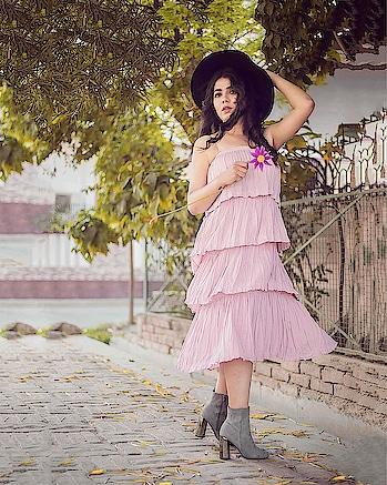 Twirling in the weekend like #friyay . . . Ps. I wore my favourite pastel skirt from @koovsfashion as a dress ✨ . . . 📸 @grainscometrue  MUA: @kirtijotwani  #bloglovin #bloggergirl #fashionbloggers #lucknowblogger #whatiwore #indianblogger #fashionblog #koovsfashion #koovsxyou #minimalism #styleblogger #plixxo #plixxoblogger #plixxobypopxo #urbanstyle #koovs #streetwear #fblogger #pastel #lucknowblogger #fashionblogger #aboutalook #stylediaries #outfitoftheday #fbloggers #ootd  #vartikasaraswat #thewinsomesoul