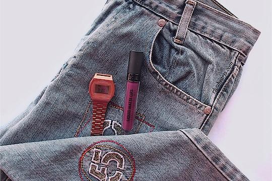 #lipstickoftheday ✨ Arabian Night by @gosharabia . . . . . . . . . . #gosharabia #goshcosmetics #mascara #eyeliner #parabenfree #parabenfreeproducts #slsfree #skincare #skincareroutine #skincareregime #ajmanblogger #fblogger #lifestyleblogger #likeforlike #dubaiblogger #uaeblogger #indianblogger #dubaiinstagram  #chennaiblogger #chennaibeautyblogger #flatlaystyle #flatlay #skincarejunkie #makeupflatlay #flatlayoftheday #mascaras #southindianblogger