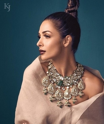 Checkout these amazing necklaces for this wedding season by Khanna Jewellers #necklaces #vogue #malaikaarora #luxuryjewellery #topnotch #khannajeweller #voguemagazine #weddingjewellery #bridaljewellery #trousseaucollection #jewellery #jewellerylove #luxury