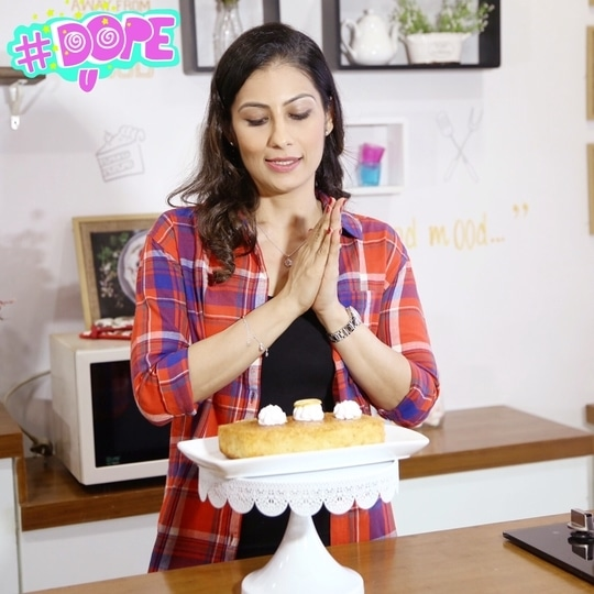 What's Lust? - To burn with desire and keep quiet about it. And that's exactly how I feel about after baking a Lemon flavor infused Vanilla sponge cake. 💋💋💋 Love M. #ChefMeghna #lustforcake #cake #cakes #vanillacake #bakeathome #dope